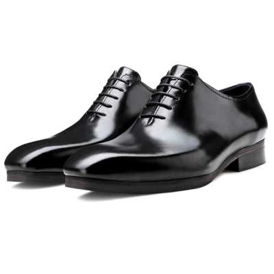 The Milan Wholecut Oxfords in Black