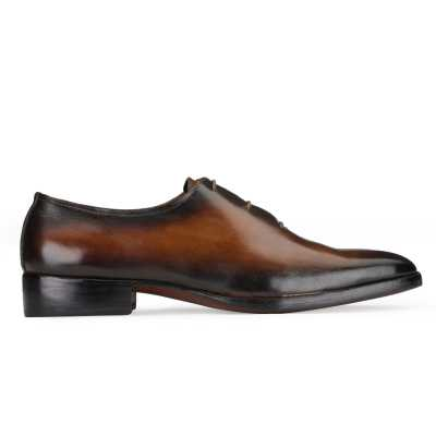 Sabre Wholecut Oxfords in Brown
