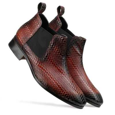 Neo Chelsea Boots in Wine color