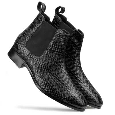 Neo Chelsea Boots in Black