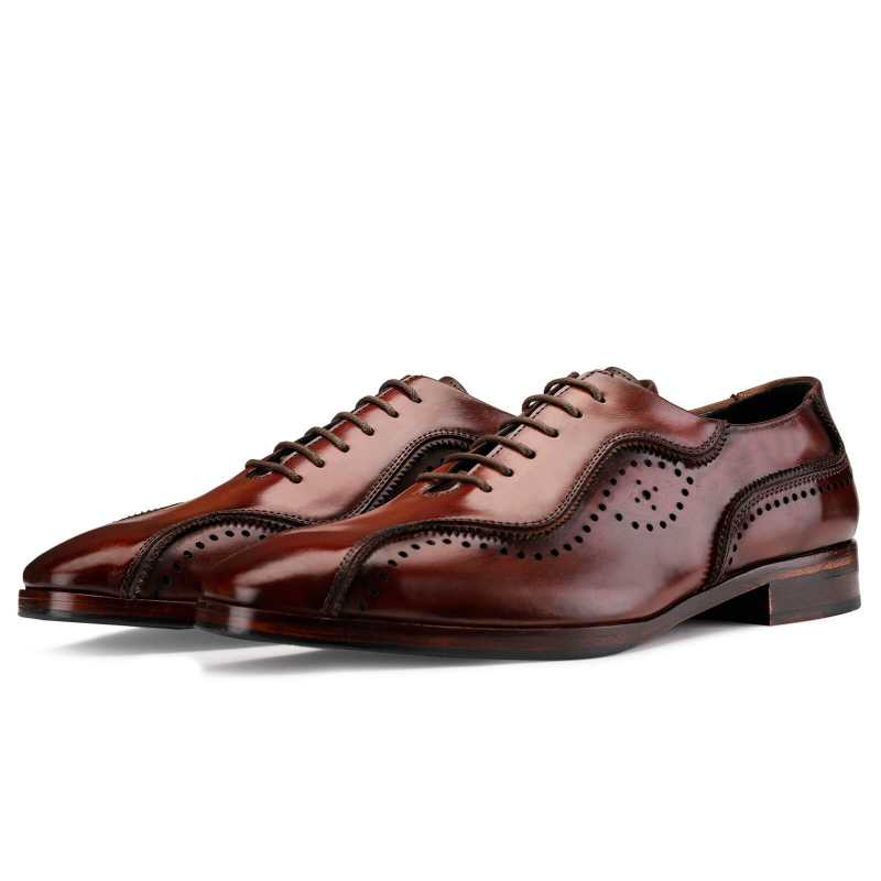 Earl Patina Oxford Shoes in Wine