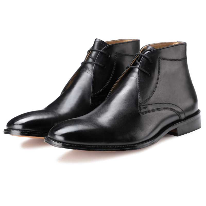 The Munich Chukka Boots in Black