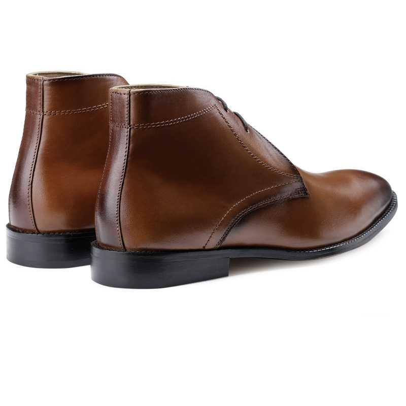 The Munich Chukka Boots in Tan