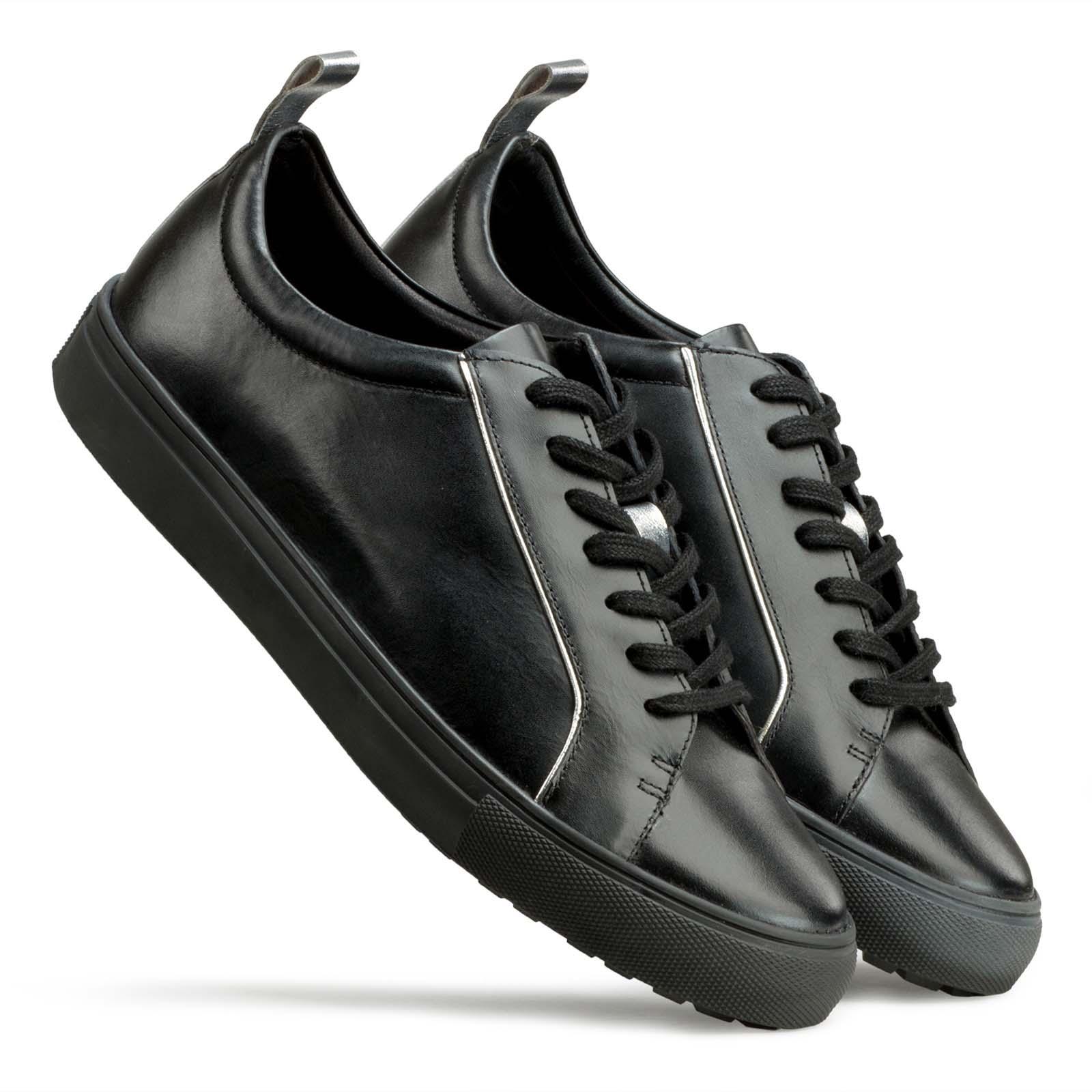 Men's Black Low-Top Leather Sneakers