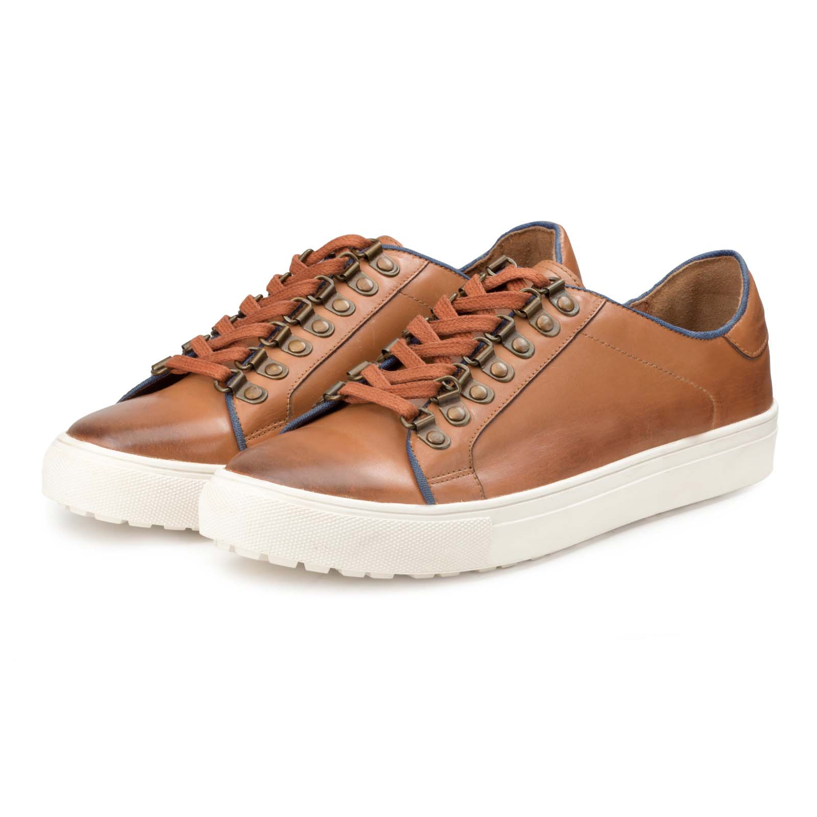 Tan-Black Low-Top Leather Sneakers